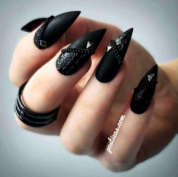 uñas negras acrílicas