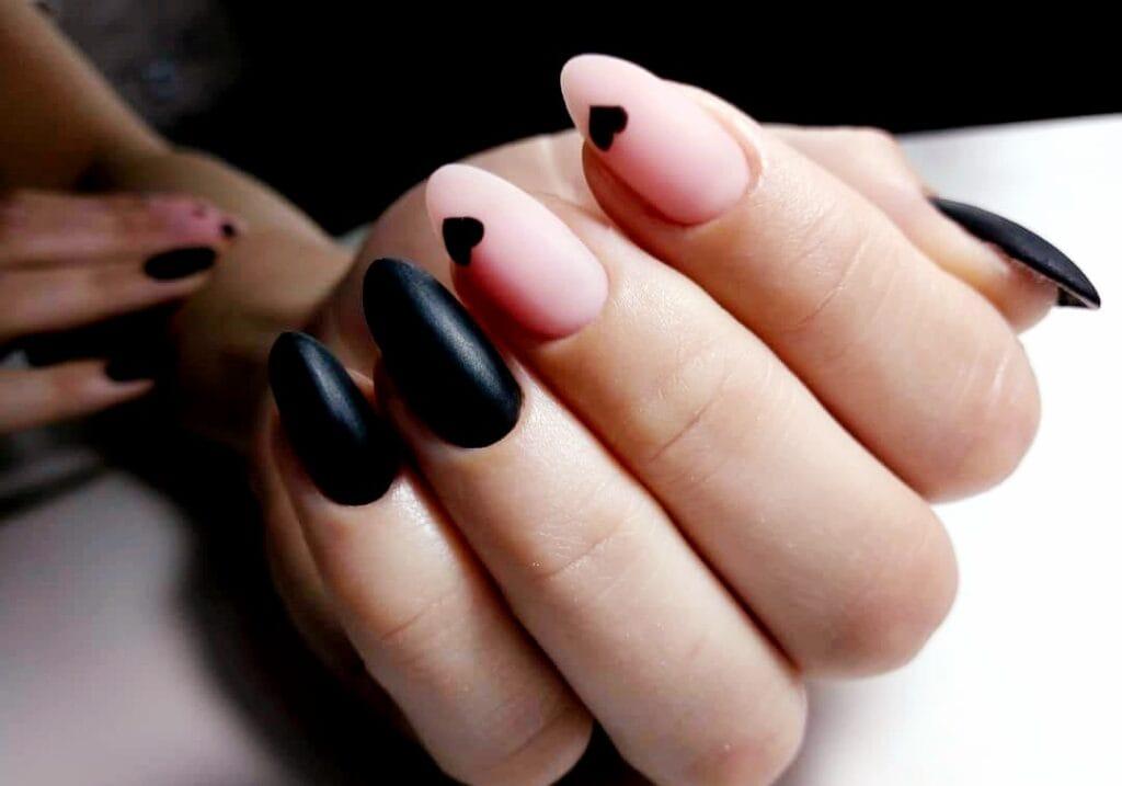uñas de gel negras nude