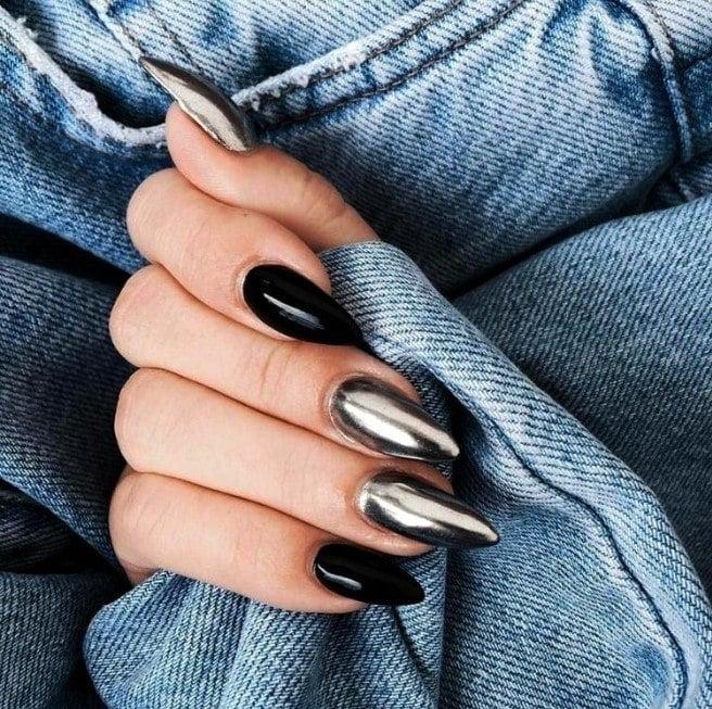 Uñas de gel negras
