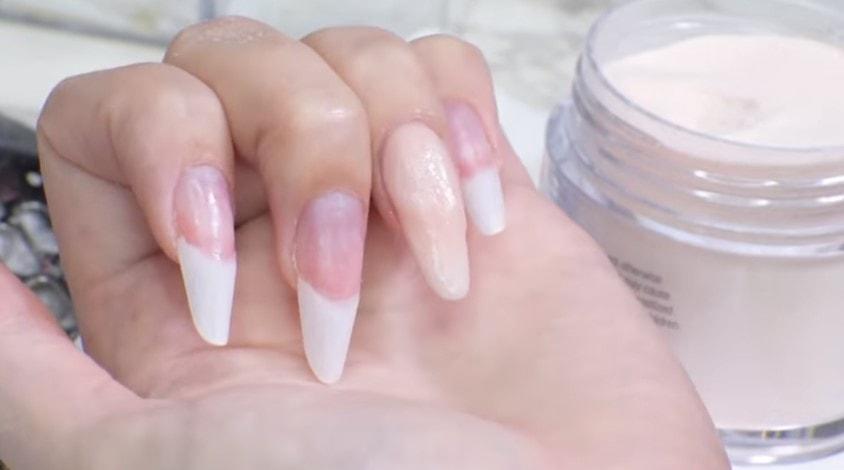 secado de las uñas acrílicas