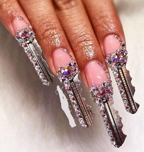 diseño uñas acrílicas llaves